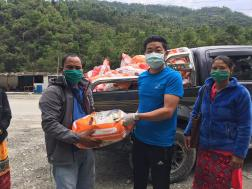 Delivering the food in Hyangja